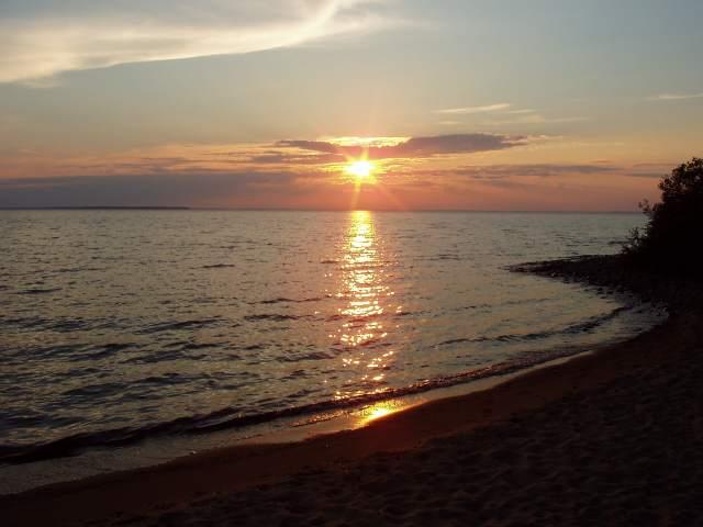 Auringonlasku Teeriniemessä